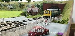 00 Gauge Model railway layout DCC 14x7ft (4 sections) delivered peco hornby