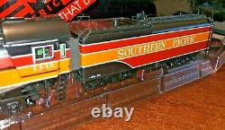 HO MTH Southern Pacific 4-8-4 GS-4 Daylight Proto 3 Sound DC/DCC/DCS