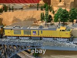 HO Scale Athearn RTR Gas Turbine DC or DCC Locomotive with 2 Tenders HIGH QUALITY